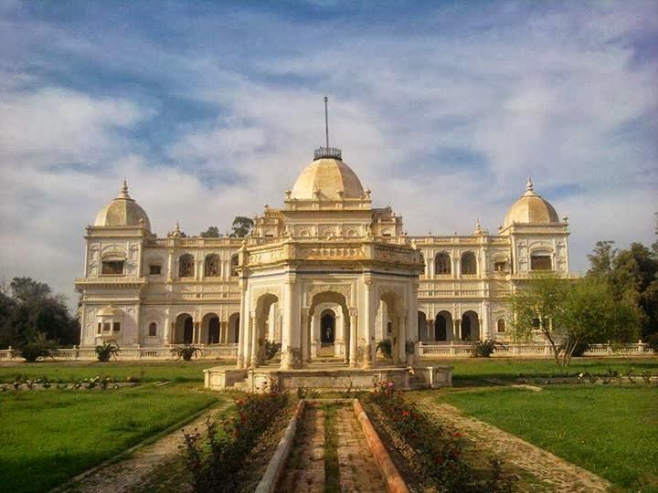 Sadiq-Garh-Palace.jpg
