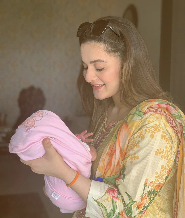 aiman khan shar first picture of baby