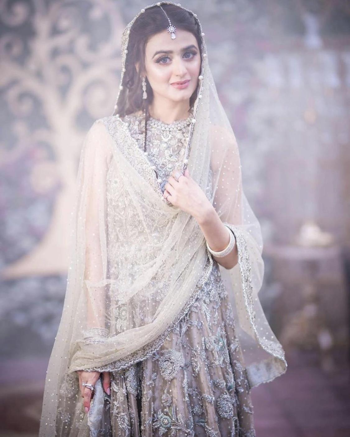 hira mani bridal outfit