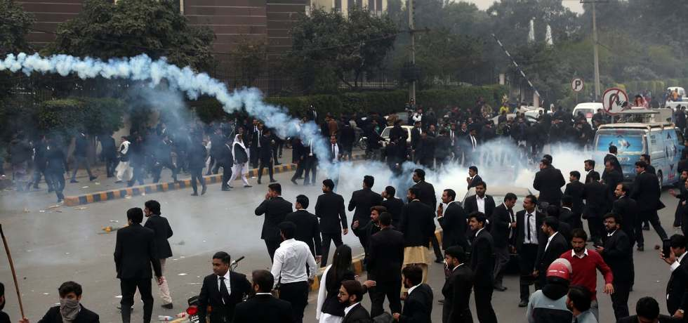 lawyers clash lahore