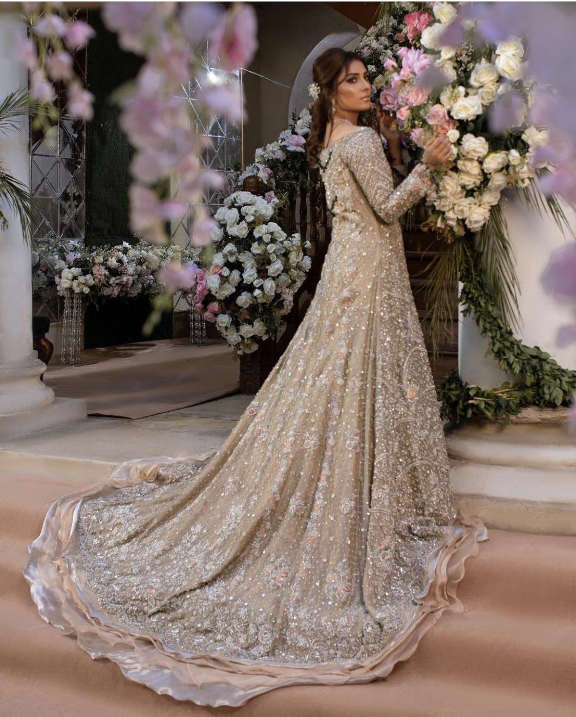 Ayeza Khan Bridal Photoshoot the odd onee