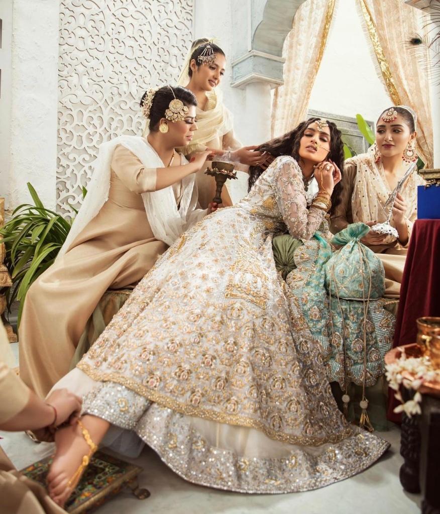 pakistani bridal lehnga outfit